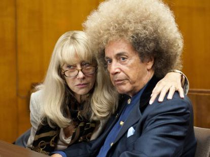 Al Pacino y Hellen MIrren como Phil Spector y su abogada en el filme de HBO.