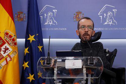 El portavoz de Unidas Podemos en el Congreso de los Diputados, Pablo Echenique, durante una rueda de prensa.