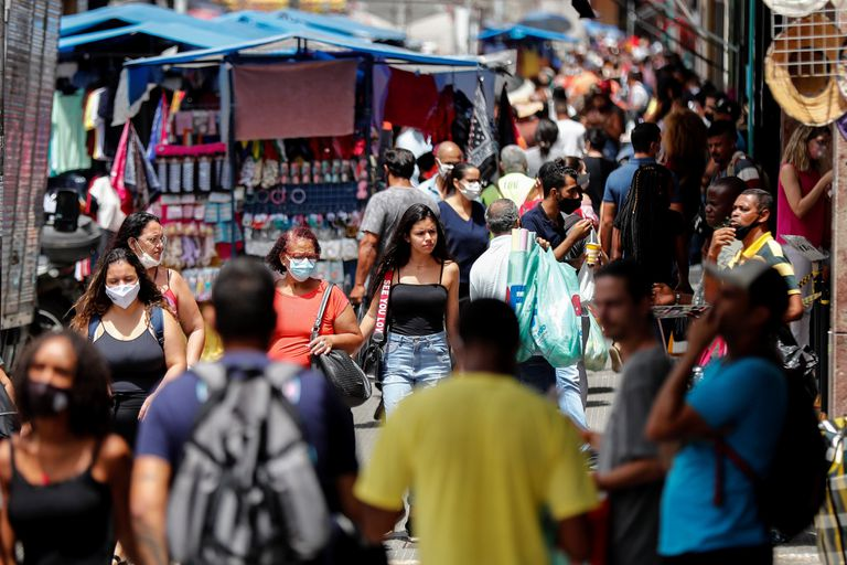 A shopping street in downtown São Paulo, this Tuesday.
