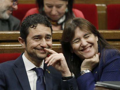 Damià Calvet y Laura Borràs, en el Parlament, en 2019.
