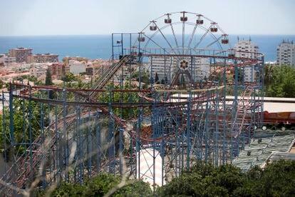 Vista de la montaña rusa de Tívoli World.