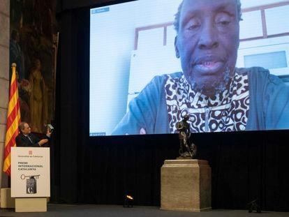El presidente de la Generalitat, Quim Torra, durante el acto de entrega del XXXI Premio Internacional Cataluña, que distinguió al escritor y activista keniano Ngugi wa Thiong'o.