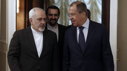 El ministro de Exteriores ruso, Serguéi Lavrov y su homólogo iraní, Mohamad Javad Zarif.