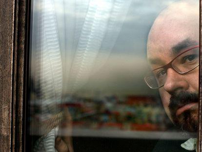 Carlos Ruiz Zafón, fotografiado en Barcelona a medidos de 2008,