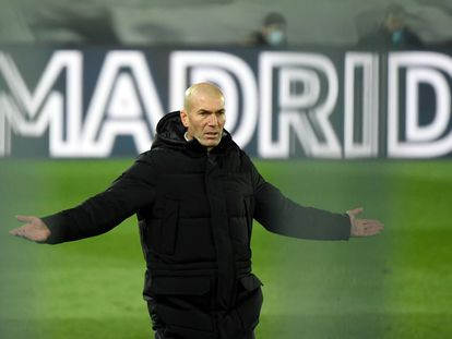 Zidane, durante el Real Madrid-Atlético de Valdebebas.