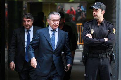 El expresidente de Caja Madrid Miguel Blesa, ayer, a la salida de la Audiencia Nacional.