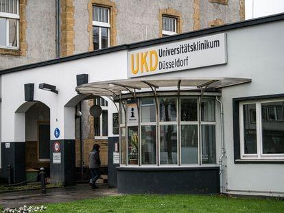 Entrada del Hospital Universitario Uniklinik en Dusseldorf (Alemania).