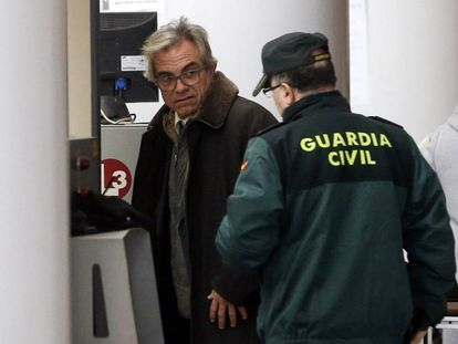El ex secretario autonómico de Educación Máximo Caturla, llega a declarar.