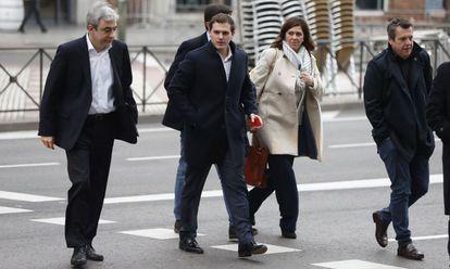 El presidente de Ciudadanos Albert Rivera a su llegada este miércoles a la reunión de la Ejecutiva Nacional del partido en Madrid.