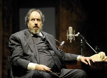 José María Pou, caracterizado como Orson Welles en la función <i>Su seguro servidor,</i> dirigida por Esteve Riambau.