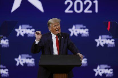 El expresidente Donald Trump comparece en la Conferencia de Acción Política Conservadora en Orlando, Florida, el 28 de febrero.