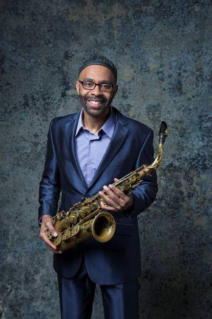El saxofonista estadounidense de jazz Kenny Garrett.