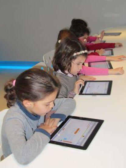 Niños aprendiendo SmarStick