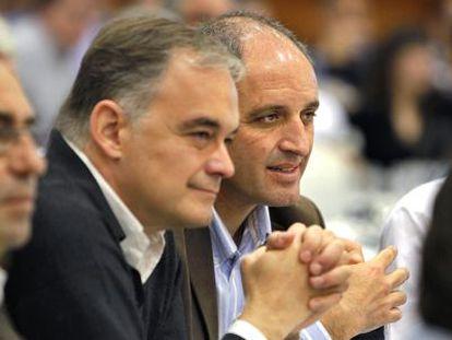El expresidente de la Generalitat Francisco Camps con Esteban González Pons en una imagen de 2011.