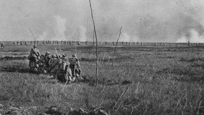 Soldados franceses, en la ofensiva ordenada por el general Georges Nivelle en la primavera de 1917 en el frente occidental.