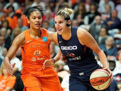 Delle Donne, con el balón, ante Thomas en las finales de la WNBA en 2019.
