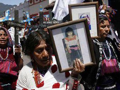 Familiares de los asesinados en la matanza en San Cristóbal, Chiapas