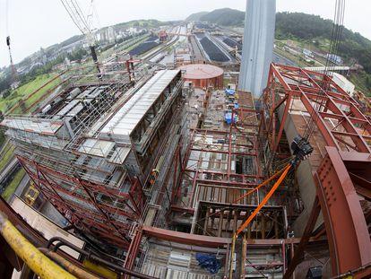 La planta de desnitrificación, en la Central Térmica de Aboño, del Grupo energético portugués EDP, en Asturias.