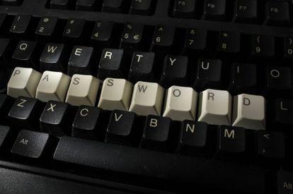 Un teclado mostando la contraseña.