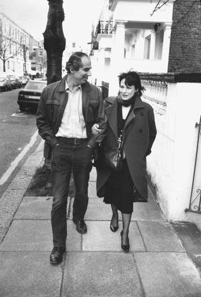 Philip Roth, con su esposa, la actriz Claire Bloom, en una imagen sin datar.