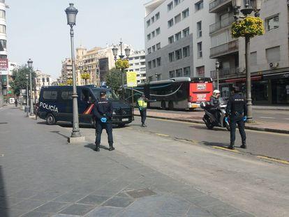 Control policial por el Coronavirus en Granada.