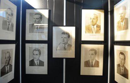 Fotos expuestas de altos dirigentes comunistas rumanos.