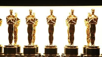 Estatuillas de los Oscar en una ceremonia previa.