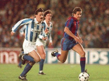 Larrañaga persigue al barcelonista Lineker en la final de Copa de 1988. EFE