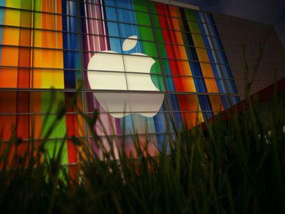 Comienza el juicio que enfrenta al Gobierno de EE UU  y a Apple en Nueva York.
