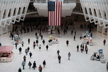 Interior del monumento erigido donde se encontraba el World Trade Center.