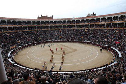 Ambiente y vista panorámica de la plaza de toros madrileña de Las Ventas.