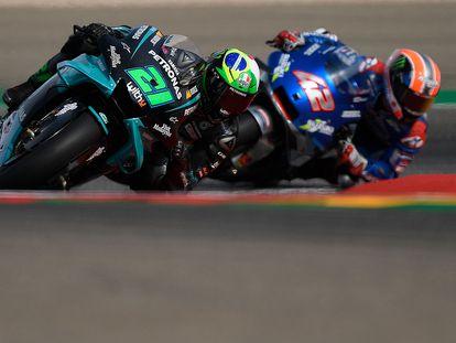 Morbdelly y Rins, en un momento del GP de Teruel.