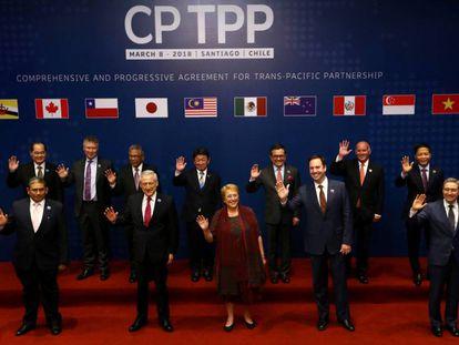 Los representantes de los países firmantes del TPP, este jueves en Santiago de Chile.