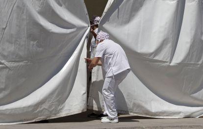 El Recinto Ferial de Torrejón de Ardoz, este miércoles, preparado para las pruebas masivas de coronavirus.