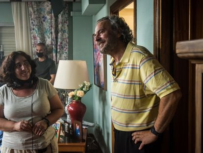 Arantxa Echevarría y José Coronado, durante el rodaje de 'La familia perfecta', el segundo largometraje de la cineasta.