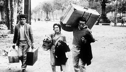 Trabajadores de otras comunidades llegando de otras comunidades a comienzos de los sesenta.