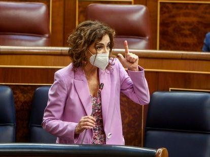 La ministra de Hacienda, María Jesús Montero, el 12 de mayo en el Congreso.