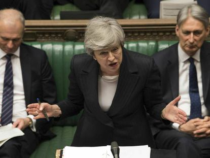 La primera ministra británica Theresa May interviene este miércoles en la sesión de control del Parlamento. En vídeo, las claves del fracaso de May.