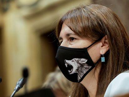 La presidenta del Parlament, Laura Borràs, durante la sesión de control al Gobierno catalán ante el pleno del Parlament.