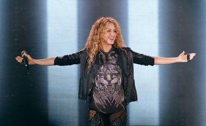 Shakira, durante un concierto el pasado jueves, en el estadio Azteca (México).