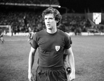 En 1975, cuando jugaba en el Athletic de Bilbao.