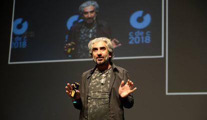 Jamshid Alamuti durante su ponencia en el Club de Creativos de San Sebastián.
