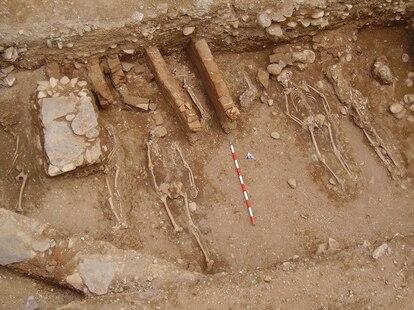 Enterramientos hallados en el cementerio de Ben Malik, en Granada.