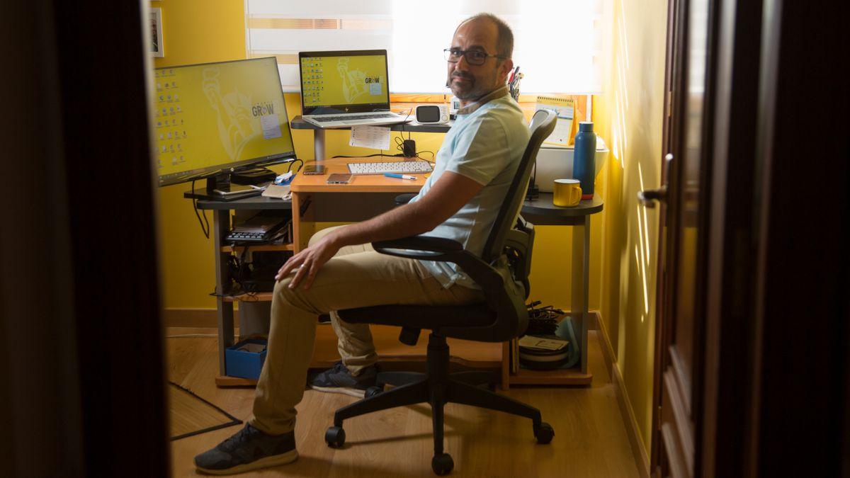 La vuelta a la oficina enfrenta a 'presentistas' y 'hogareños' | Economía |  EL PAÍS