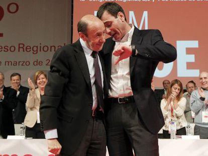 Rubalcaba y Tomás Gómez, en el congreso del PSM de marzo.