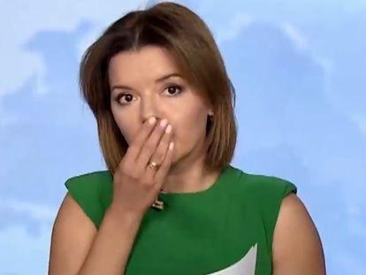 Una presentadora ucraniana de noticias pierde un diente en directo