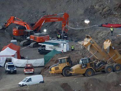 Momentos previos a la bajada de la cápsula de salvamento minero. Se cumple un año de la trágica caída del pequeño Julen en el pozo de Totalán.