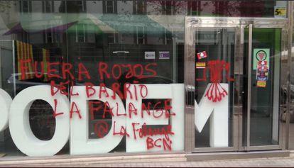 Pintadas en la sede de Podem Barcelona.