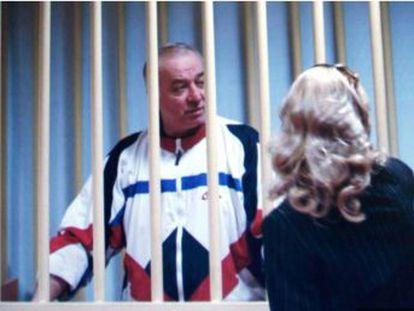 """Sergei Skripal fue condenado por """"alta traición en forma de espionaje"""" a 13 años de prisión por pasar al MI6 las identidades de agentes rusos en Europa"""