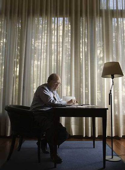 El ex presidente de la Generalitat de Cataluña, en su actual despacho.